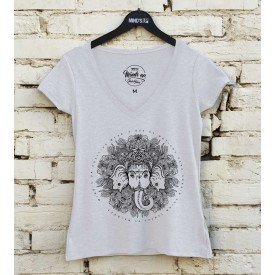 19613 tshirt feminina gola v mandala elefante b